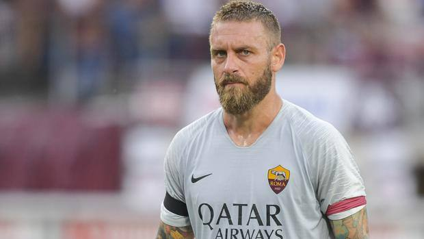 Roma fans hit out at Pallotta after De Rossi is forced to leave club