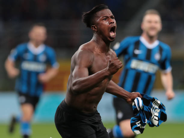 Inter hang on to make Champions League