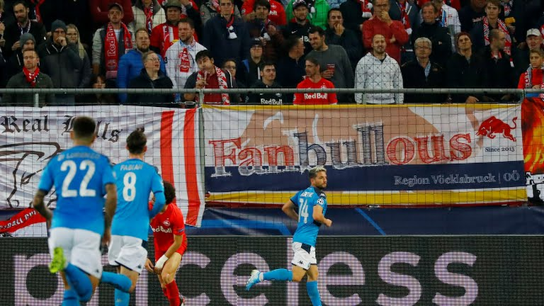 Mertens leapfrogs Maradona and fires Napoli to big win in Salzburg