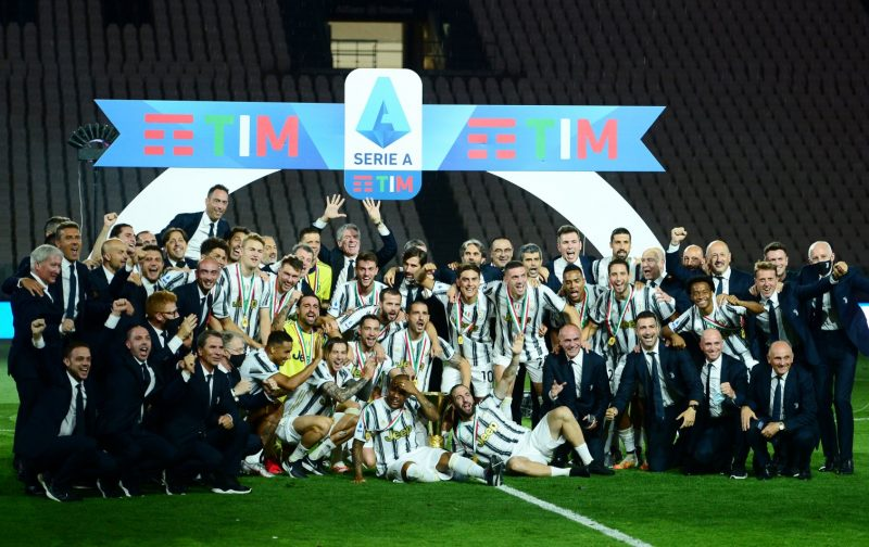 Juventus Lift The 2019 20 Serie A Trophy Forza Italian Football